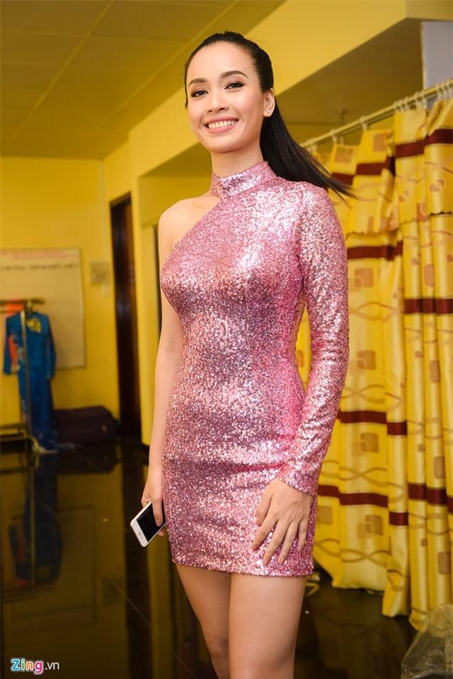 Dang Thu Thao long lay di cham thi Hoa hau Viet Nam hinh anh 7