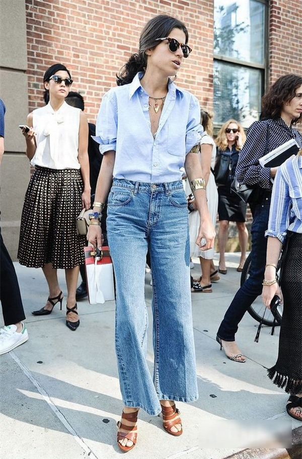 Đủ cách mix quần jeans với áo sơ mi hợp mốt cho nàng công sở