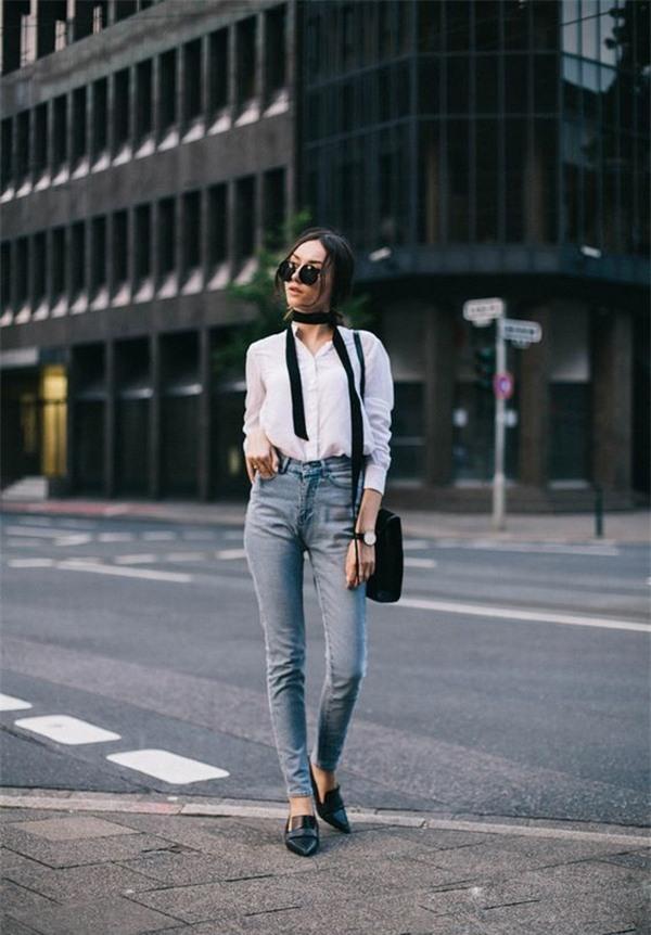 Mix áo sơ mi với quần jeans thế nào cho phong cách nhất?