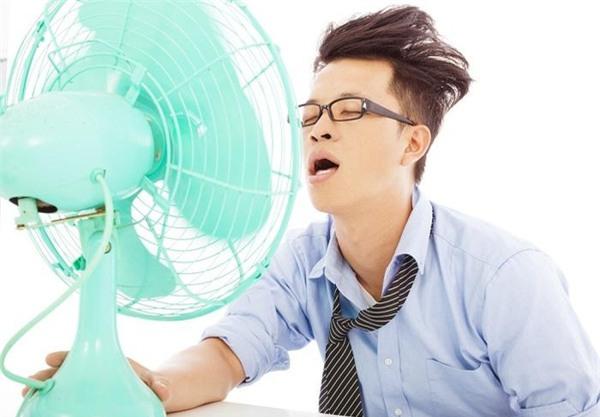 Đừng tự giết mình vì 3 thói quen giải nhiệt phổ biến sau khi đi ngoài nắng về - Ảnh 1.