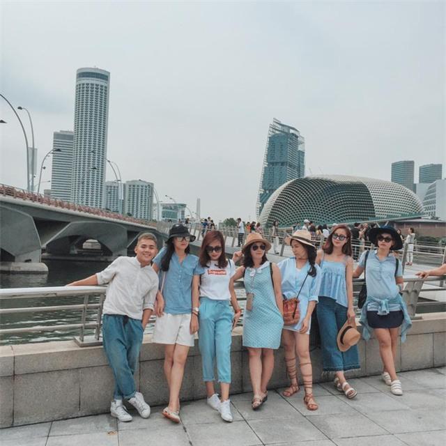 Đi du lịch nhóm phải mặc đồ tông xuyệt tông rồi chụp ảnh như thế này mới bắt kịp xu hướng! - Ảnh 6.