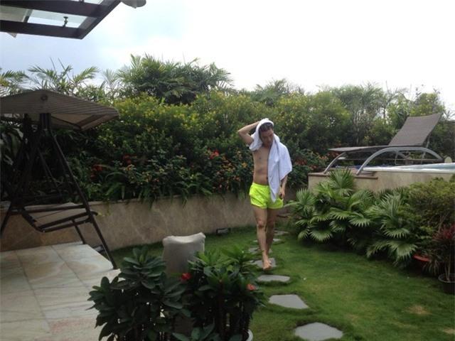 Đàm Vĩnh Hưng, sân vườn, biệt thự