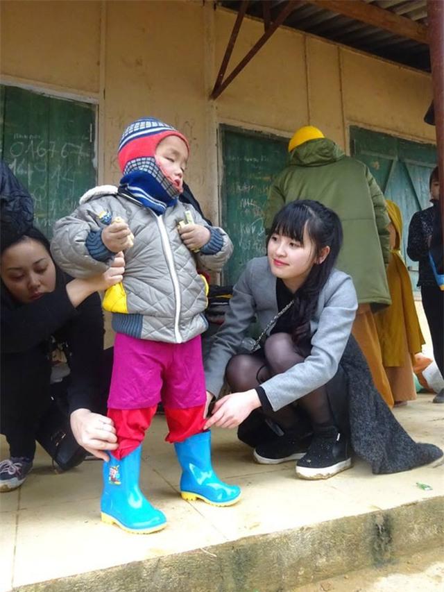 Cảm động chuyện 9X Lào Cai chăm sóc bé 14 tháng tuổi nặng 3,5kg như con ruột - Ảnh 6.