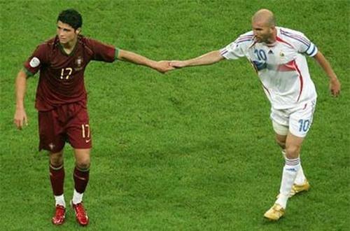 Chung kết Euro: Ngoài Ronaldo, Bồ Đào Nha chẳng có gì - 1