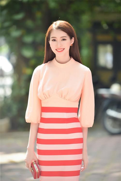 Ngoài hình ảnh sạch, sang trọng, Thu Thảo còn khiến nhiều người ngưỡng mộ vì có chuyện tình đẹp với doanh nhân trẻ Trung Tín.