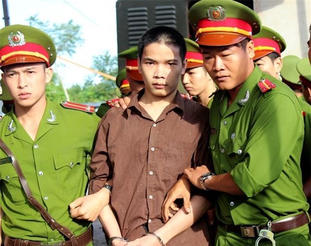 Vu tham sat Binh Phuoc: Vu Van Tien co thoat an tu hinh? hinh anh 1
