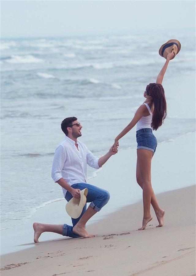 Hà Anh diện bikini chụp ảnh cưới cùng chồng Tây - Ảnh 3.