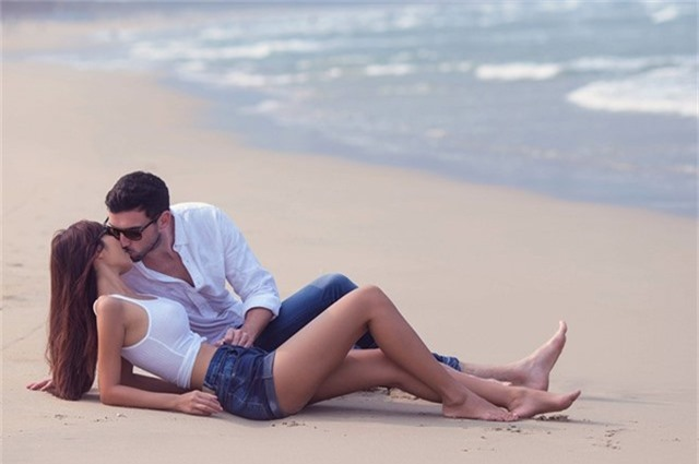 Hà Anh diện bikini chụp ảnh cưới cùng chồng Tây - Ảnh 6.