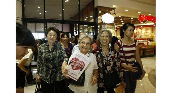 Siêu thị, khách hàng, mua sắm, mua hàng, văn hóa, siêu thị Việt, người Việt