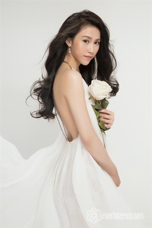 Hoa hậu Thu Vũ lên xe hoa 8
