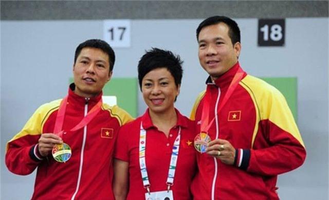 """lai cho hoang xuan vinh """"phuc han"""" olympic hinh anh 1"""