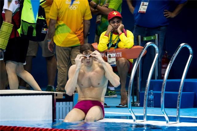 Nhân viên cứu hộ môn bơi, công việc nhàn nhất Olympic