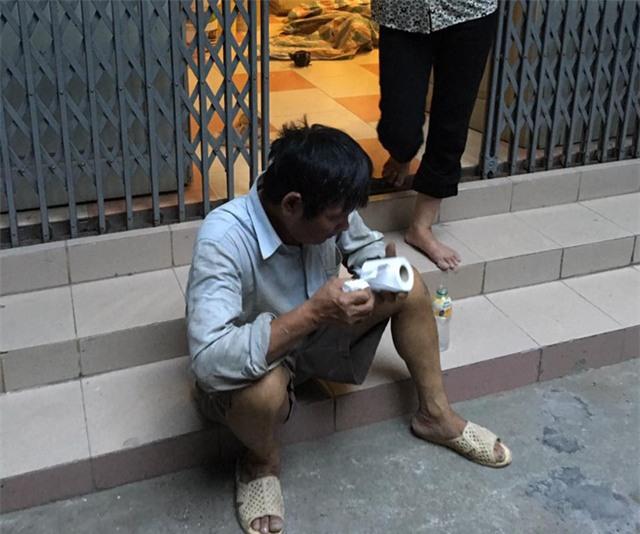 Người thợ sơn và câu chuyện khiến nhiều bạn trẻ Việt phải xấu hổ - Ảnh 3.