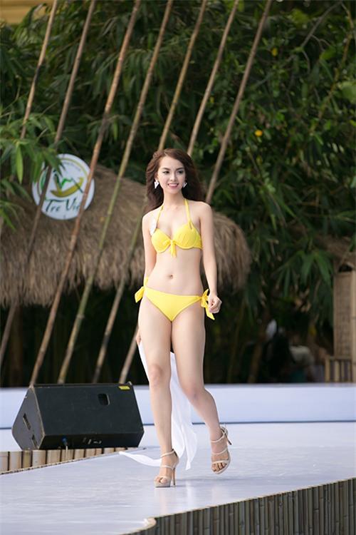 thi-sinh-hoa-hau-viet-nam-khoe-dang-nuot-na-voi-bikini-7