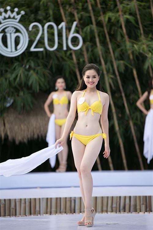 thi-sinh-hoa-hau-viet-nam-khoe-dang-nuot-na-voi-bikini-10