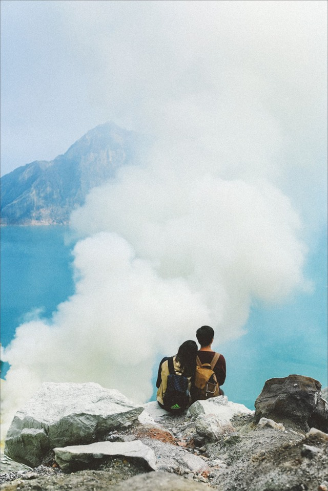 Ở ngay gần Việt Nam thôi, bạn có thể trải nghiệm cảm giác săn mây trên đỉnh núi lửa! - Ảnh 14.