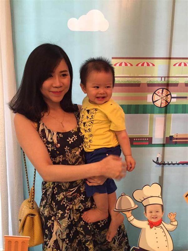 Vợ chồng MC Tuấn Tú hạnh phúc mừng sinh nhật 1 tuổi của con trai đầu lòng - Ảnh 8.