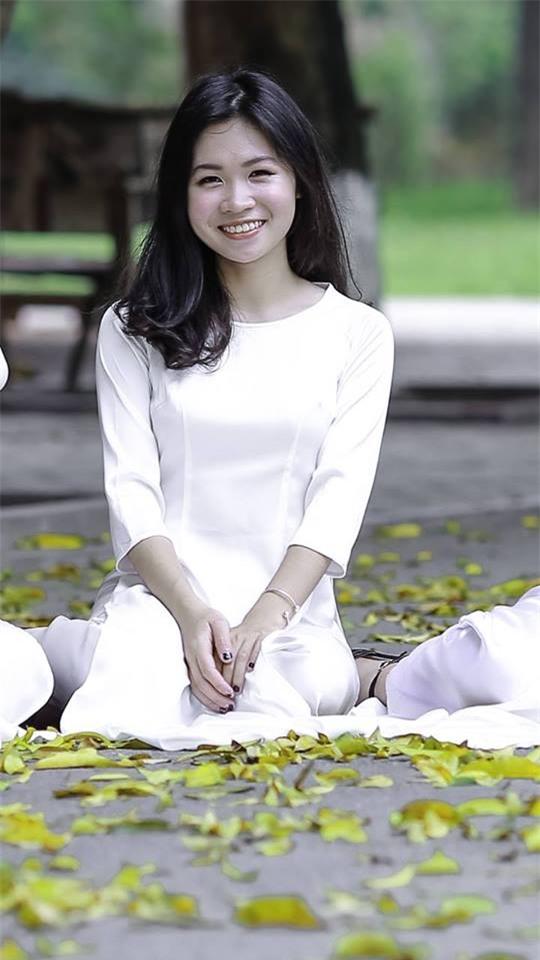 Em Nguyễn Thu Hà, cựu học sinh chuyên Ngoại ngữ, giành học bổng 192.000 USD.