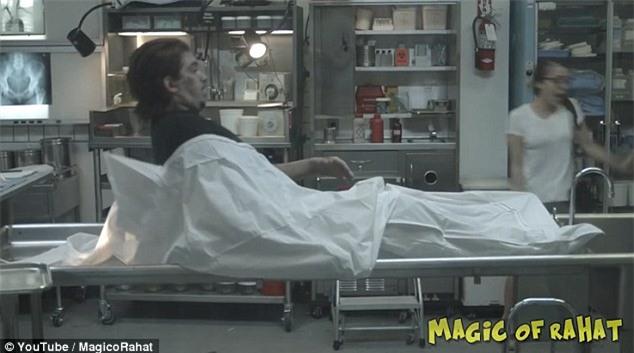 Hoảng loạn khi xác chết bật dậy trong một cuộc phỏng vấn diễn ra ở nhà xác - Ảnh 5.