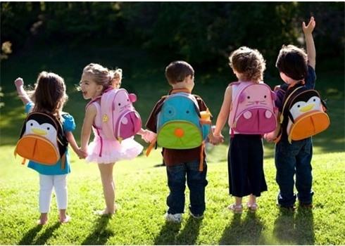 Trẻ mầm non: Cô giáo nói chân cô sạch và bảo con liếm - Ảnh 4.