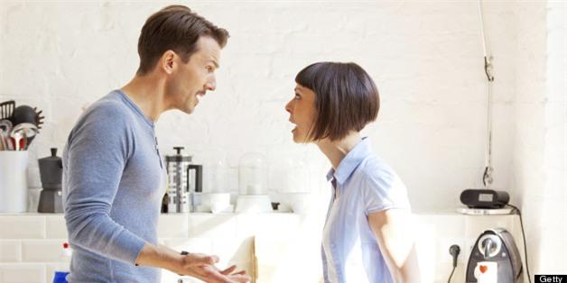 Không phải ngoại tình, đây mới là nguyên nhân hàng đầu dẫn tới rạn nứt tình cảm vợ chồng - Ảnh 1.