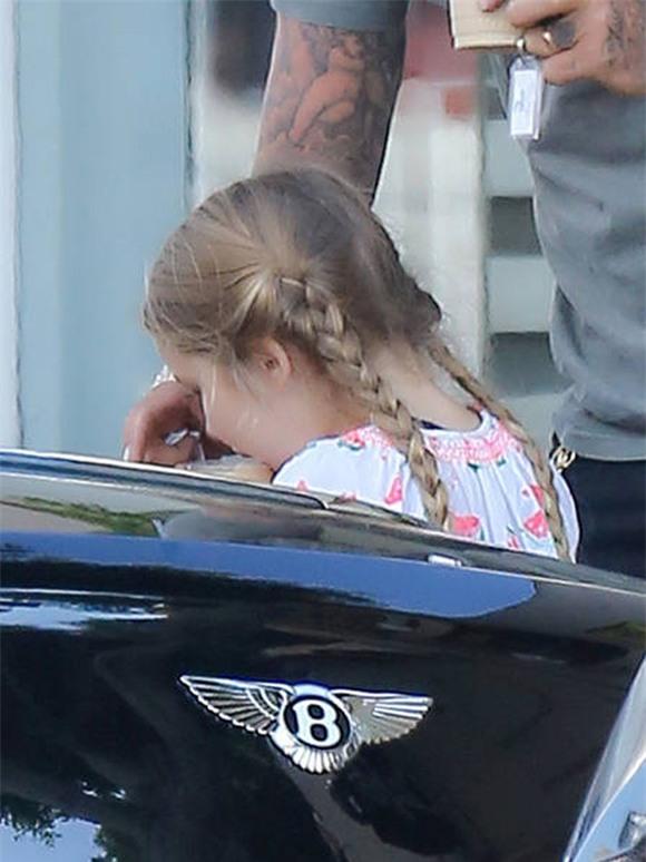 bé Harper đáng yêu với tóc bím 5