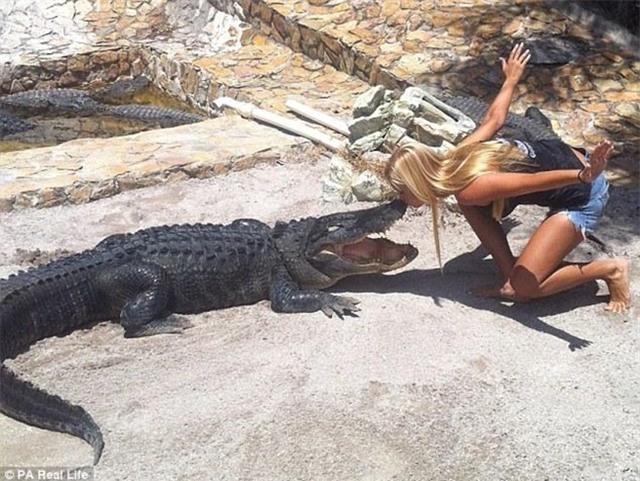 Cô gái xinh đẹp có niềm đam mê mãnh liệt với bộ môn săn bắt cá sấu - Ảnh 5.