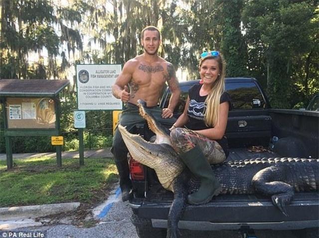 Cô gái xinh đẹp có niềm đam mê mãnh liệt với bộ môn săn bắt cá sấu - Ảnh 16.
