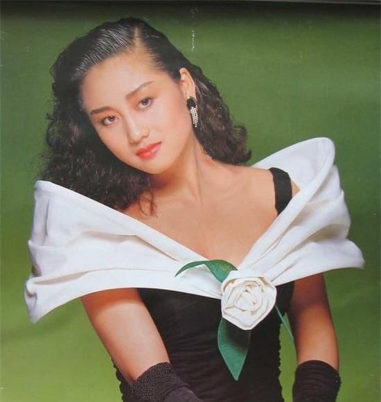 Vợ Lý Liên Kiệt: Từ Hoa hậu châu Á đến bà hoàng nhà đất - 10