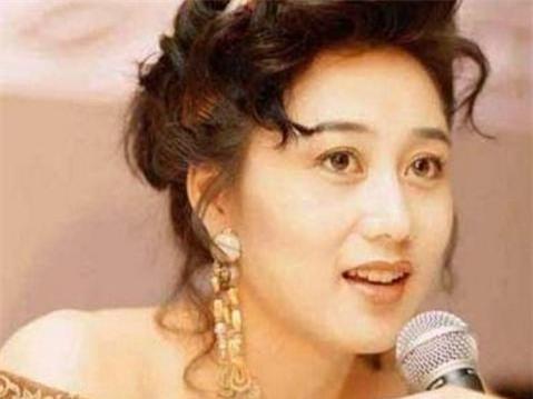 Vợ Lý Liên Kiệt: Từ Hoa hậu châu Á đến bà hoàng nhà đất - 11