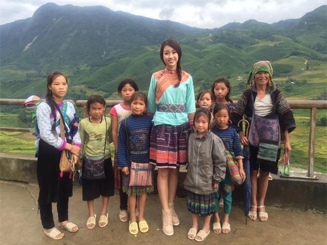 Hoa hậu Mỹ Linh lấn sân làm MC Truyền hình - Ảnh 1.