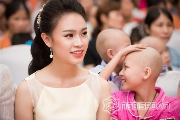 Hoa hậu Mỹ Linh dự tiệc trung thu 4