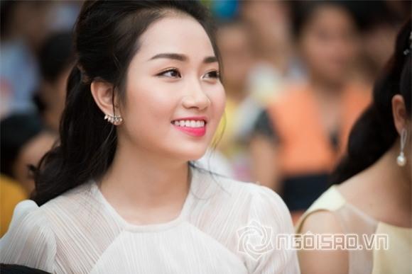 Hoa hậu Mỹ Linh dự tiệc trung thu 3