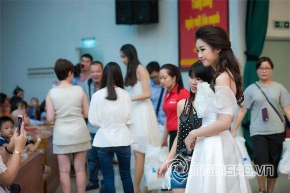 Hoa hậu Mỹ Linh dự tiệc trung thu 6