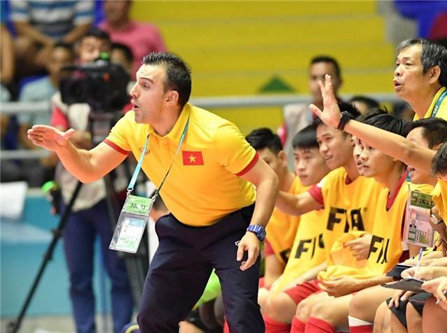 Tài năng của HLV Bruno Garcia được kỳ vọng sẽ giúp futsal Việt Nam gây bất ngờ trước Nga.
