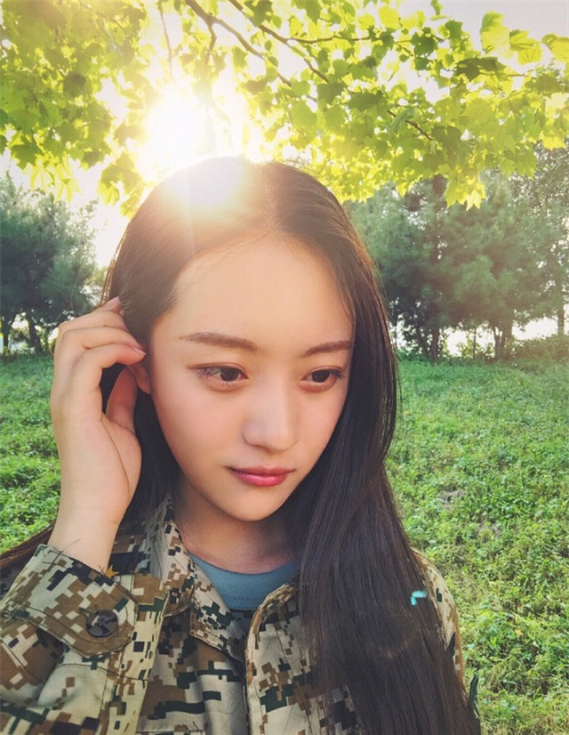 Chùm ảnh: Những nữ thần xinh đẹp bậc nhất trong mùa học quân sự ở Trung Quốc - Ảnh 13.