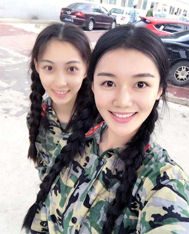 Chùm ảnh: Những nữ thần xinh đẹp bậc nhất trong mùa học quân sự ở Trung Quốc - Ảnh 16.