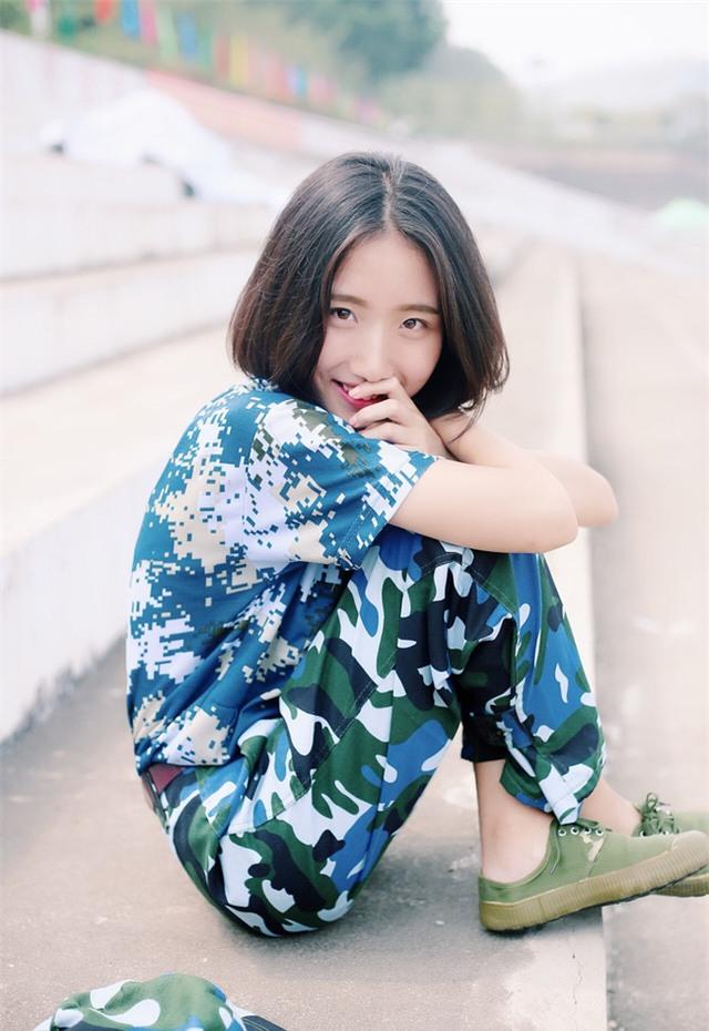 Chùm ảnh: Những nữ thần xinh đẹp bậc nhất trong mùa học quân sự ở Trung Quốc - Ảnh 20.
