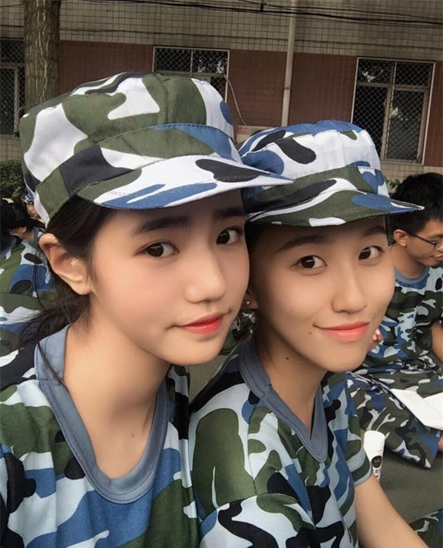Chùm ảnh: Những nữ thần xinh đẹp bậc nhất trong mùa học quân sự ở Trung Quốc - Ảnh 3.