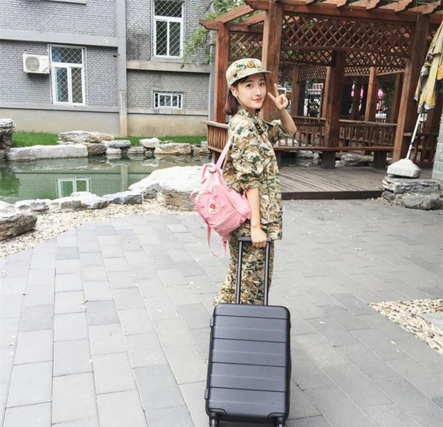 Chùm ảnh: Những nữ thần xinh đẹp bậc nhất trong mùa học quân sự ở Trung Quốc - Ảnh 5.