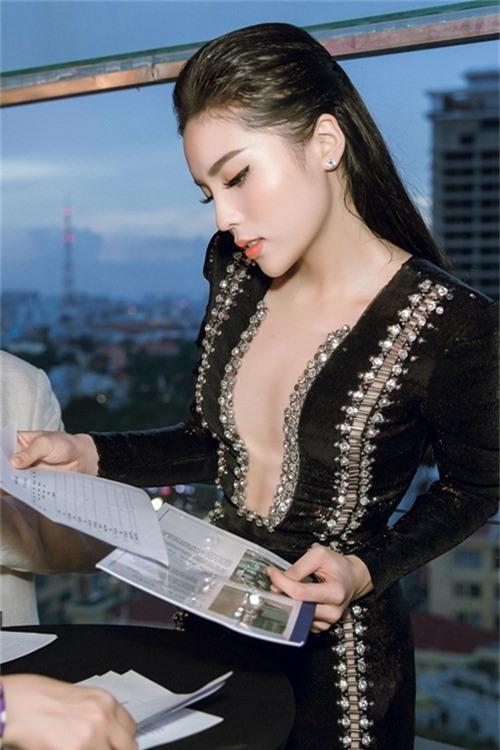 lien tuc mac kiem vai hau scandal, lieu ky duyen co duoc khan gia huong ung? - 1