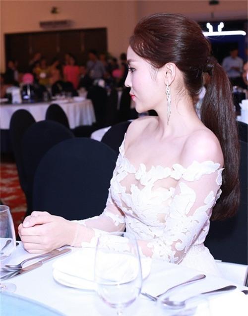 lien tuc mac kiem vai hau scandal, lieu ky duyen co duoc khan gia huong ung? - 5