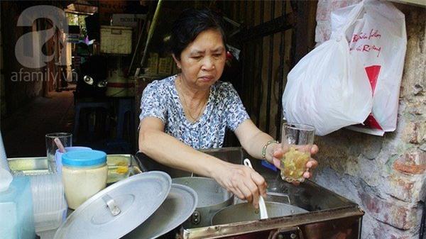 quán chè ngon, Hà Nội, chè Hai Bà Trưng, đội cấn, chè bưởi, chè Thái, ăn vặt, vỉa hè, giải khát