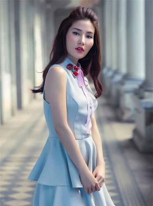 Sao Viet phai long vay ao hoa tiet theu khi vao thu hinh anh 9