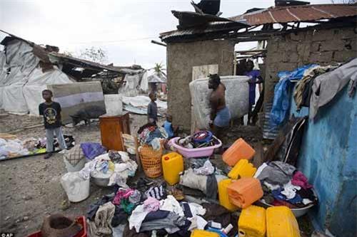 Cảnh hoang tàn và chết chóc ở Haiti sau cơn bão lịch sử Matthew - 20