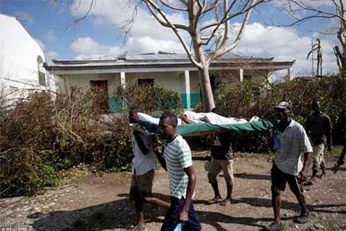 Cảnh hoang tàn và chết chóc ở Haiti sau cơn bão lịch sử Matthew - 6