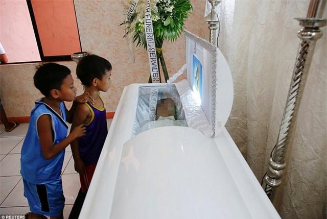 Chùm ảnh: Hơn 3.700 người đã chết trong cuộc chiến chống tội phạm ma túy ở Philippines - Ảnh 11.