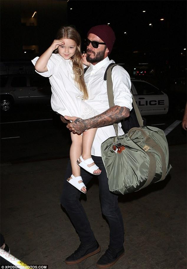 Ngày nào còn bé tí, Harper Beckham giờ đã 5 tuổi và ngày càng xinh xắn - Ảnh 1.