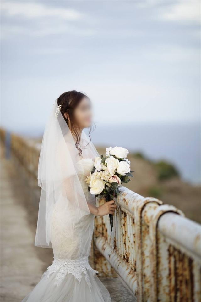 Cô dâu chú rể ở Sài Gòn bị nhiếp ảnh gia thuê người đập phá đám cưới để đòi tiền - Ảnh 2.