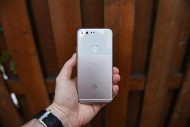 8 chiếc smartphone không chỉ đẹp mà còn có pin trâu - Ảnh 3.